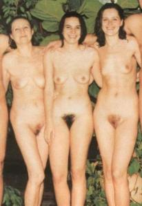Mom ,daughter and grandma naked