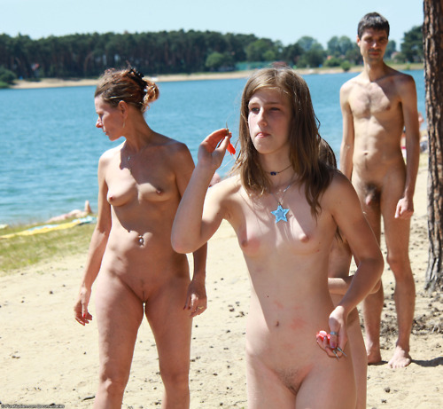 naked outdoor beach moms