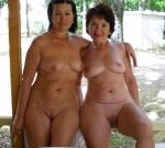 mom+daughter pose nude