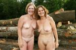 older mom+daughter nudists
